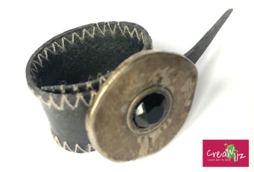 Creawijz bovenkant ring fietsband afgewerkt met knoop
